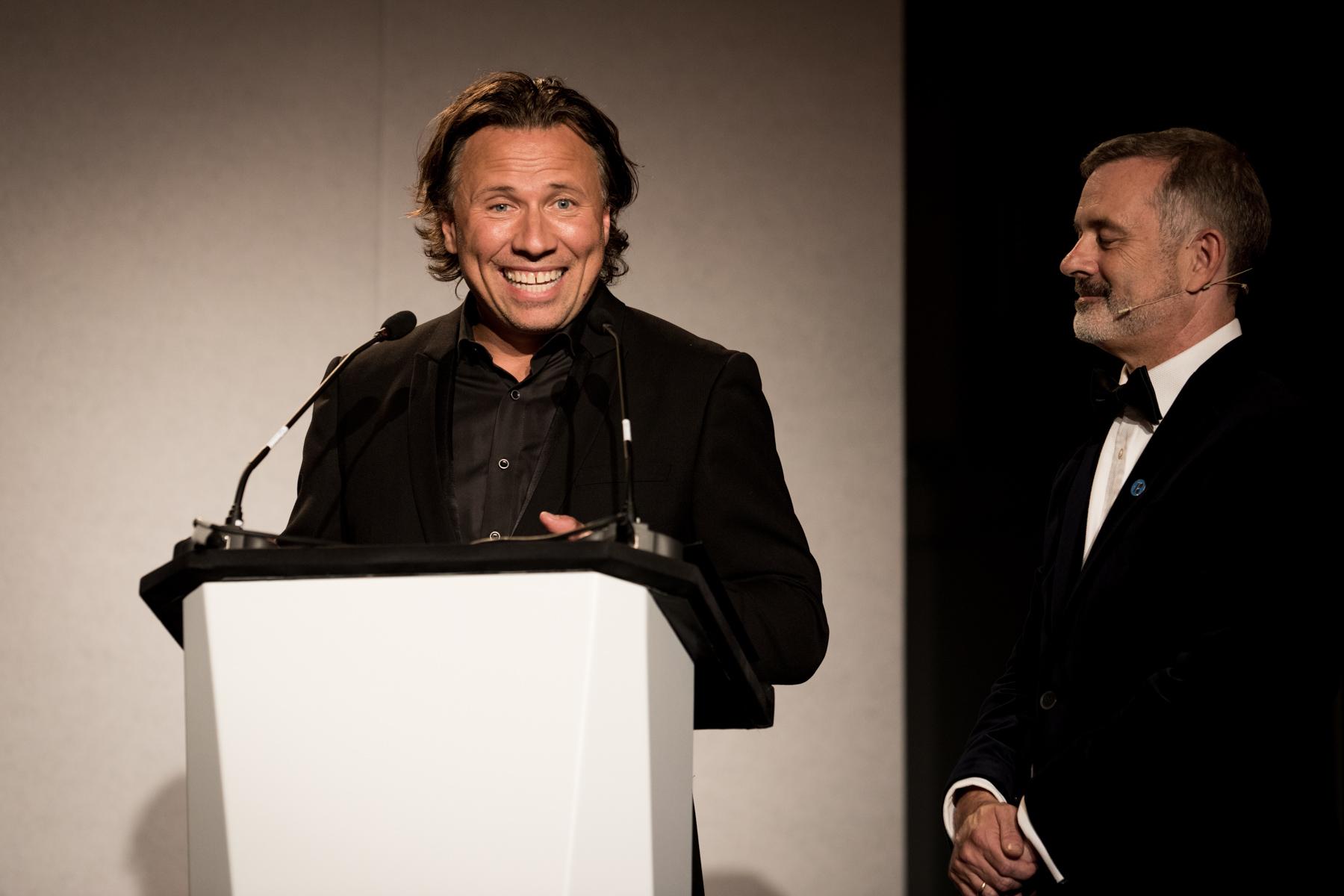 Kristjan Järvi pays tribute to his father, Neeme, winner of the Lifetime Achievement Award