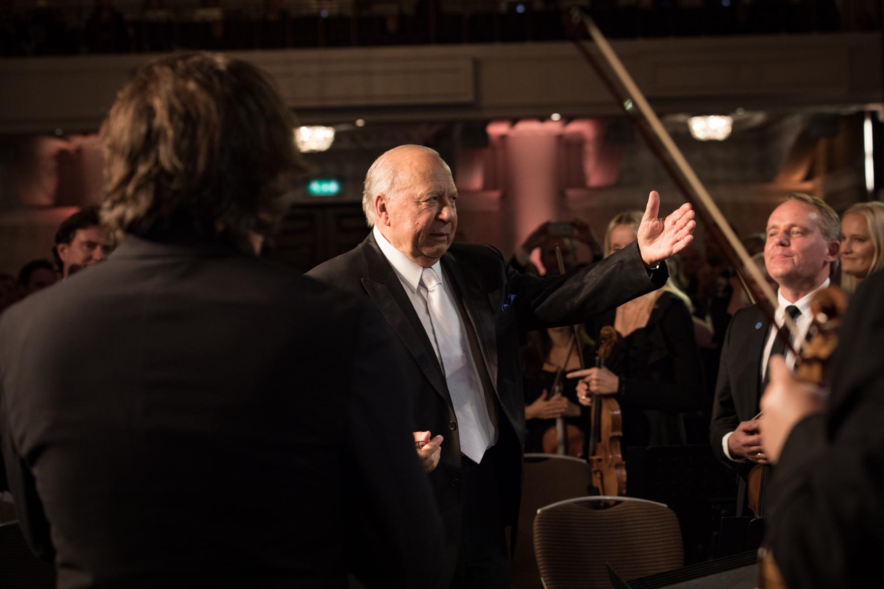 The Lifetime Achievement Award winner Neeme Järvi receives a standing ovation