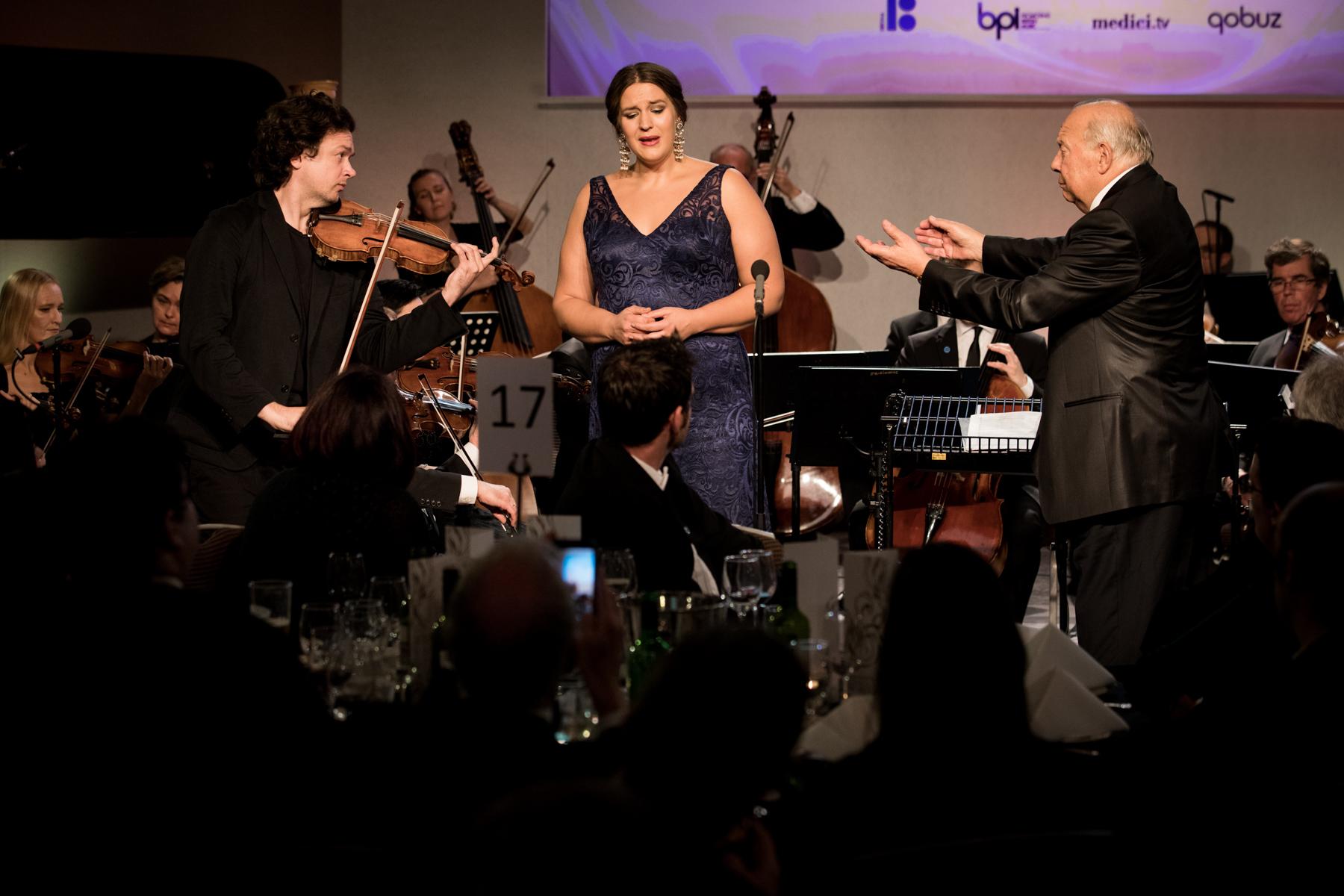 Marek Zwiebel, Lise Davidsen and Neeme Järvi perform Strauss's 'Morgen' to close the show