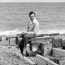 Benjamin Britten on Aldeburgh Beach in 1959 (photo: Hans Wild courtesy of www.br