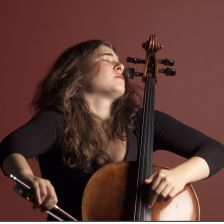 Alisa Weilerstein plays Elgar [photo: alisaweilerstein.com