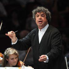 Semyon Bychkov holds the BBC Symphony's new Günter Wand Conducting Chair (photo: