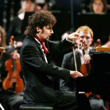 Federico Colli performing at the 2012 Leeds International Piano Competition