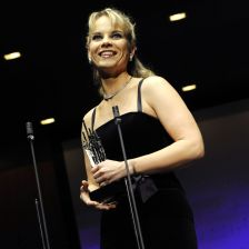 Elina Garanca received the Artist of the Year (Vocalist) award (photo: Y-COATSAL