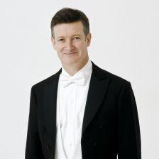 Harry Bicket named Santa Fe Opera chief conductor