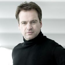 Jonathan Nott has been appointed Tokyo Symphony music director (photo: Thomas Mu