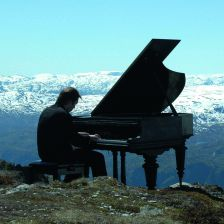 Leif Ove Andsnes on his Beethoven Journey (credit NRK)