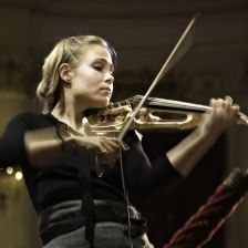 Leila Josefowicz puts her violin up for sale