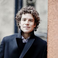 Robin Ticciati to remain Scottish Chamber Orchestra principal conductor to 2018