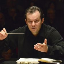 Andris Nelsons (photo by Stu Rosner)