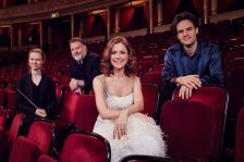 (L-R) conductor Mirga Gražinytė-Tyla, bass-baritone Bryn Terfel, presenter Katie Derham and cellist Leonard Elschenbroich celebrate the launch of the 2016 BBC Proms © BBC / Jonathan Ford