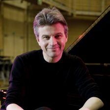 New podcast: Mark Bebbington on the piano music of Vaughan Williams (photo Rama Knight)