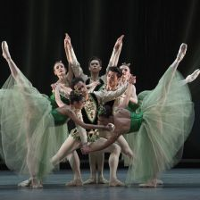 Artists of the Royal Ballet perform Emeralds (photo: ROH 2017/Alastair Muir)