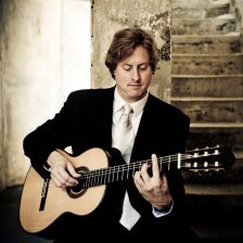 Jason Vieaux launches an online Classical Guitar School (photo: Tyler Boye)