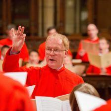 John Scott conducting the choir of Saint Thomas Fifth Avenue