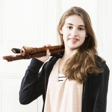 Lucie Horsch signs to Decca (photo: Lilian van Rooij)