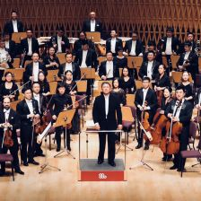 Long Yu and the Shanghai Symphony Orchestra sign to DG (credit: Leilei Cai)