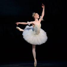 Sarah Lamb as Princess Aurora (© ROH, by Bill Cooper)