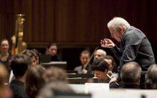 Daniel Barenboim rehearsing the Berlin Staatskapelle (photo: David Levene)