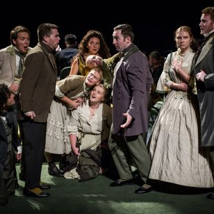 The Yellow Sofa takes Glyndebourne to Covent Garden
