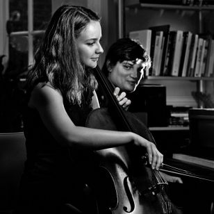 Laura van der Heijden and pianist Petr Limonov, who have together explored music from Stalin's Russia on their new Champs Hill release