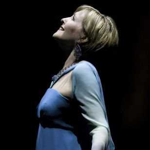 Frederica von Stade takes a bow (photo: Eric Melear)